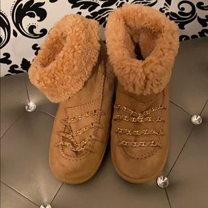 CHANEL SHEARLING BOOT SUEDE CC LOGO CHAINS